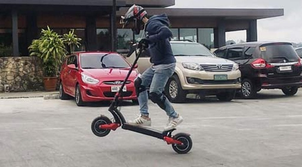 Wheelie on electric scooter